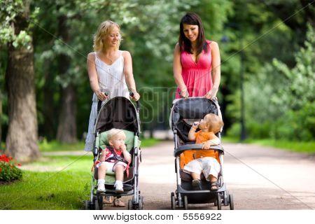 glücklich Mütter