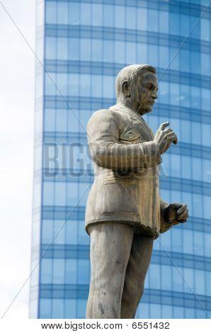 Statue A.a. Cipriani Port Of Spain Trinidad