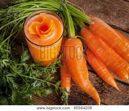Fresh Carrot Juice Glass With Fresh Organic Carrots