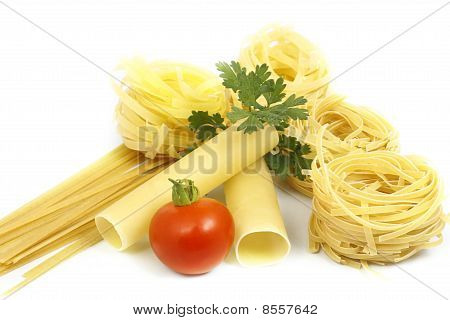 Pasta With Greens And Tomato