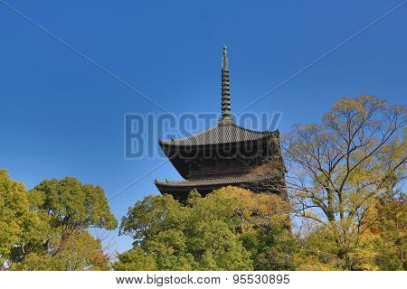 The Wooden  Architecture Of To-ji Temple
