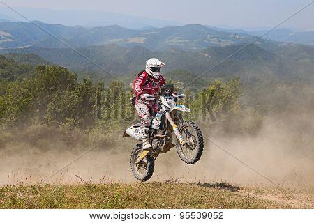 Bikers Riding Enduro Motorcycles Husqvarna Fe 350