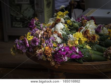 The flowers are colorful For worship Worship sacred