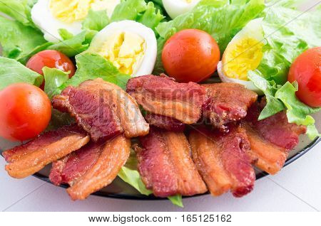 Fragment Dish Closeup With Lettuce, Tomatoes And Bacon