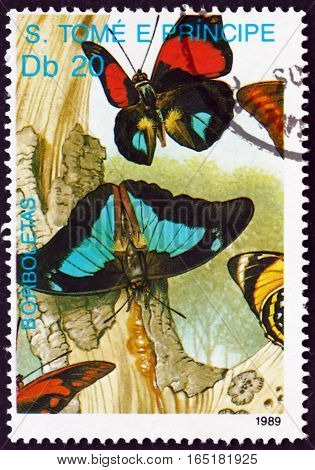 SAO TOME AND PRINCIPE - CIRCA 1989: a stamp printed in Sao Tome and Principe shows Butterflies and Tree Bark circa 1989