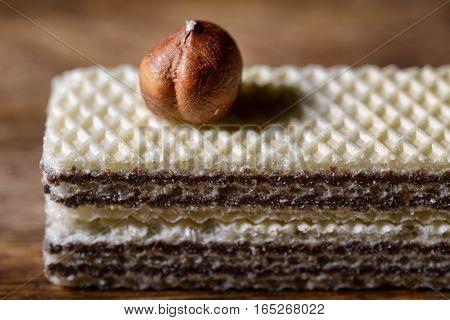 wafers filled with hazelnut cream and hazelnut above