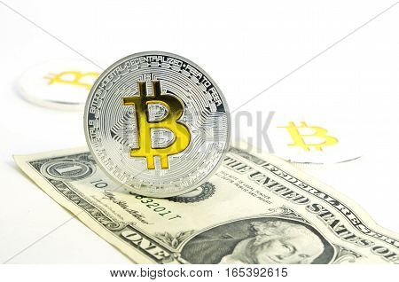 New virtual currency and virtual finance on beginning