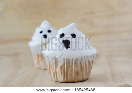 Halloween cupcakes, ghost cupcakes, white with frosting