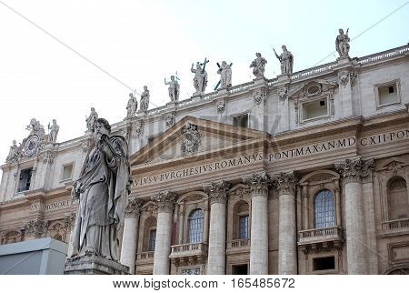 Saint Peter's square in Vatican City. Cathedral Italy