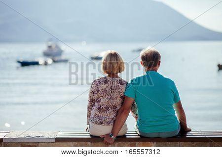 Couple Travel Sea Side