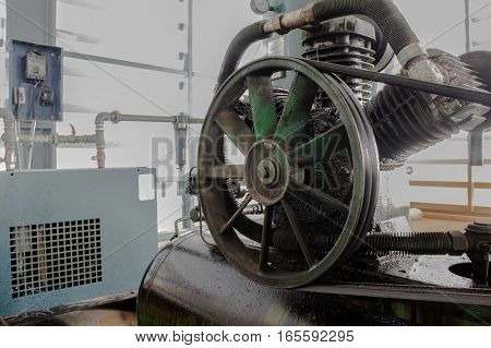 Pulley and fan, The Pulley on air compressor
