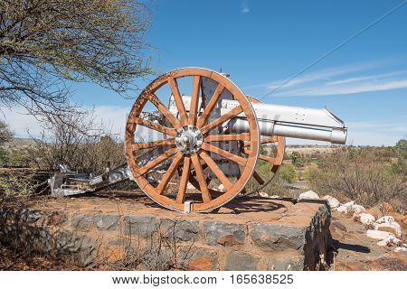 A cannon at the monument in Koffiefontein (coffee fountain) in honor of townsmen who died in the First World War (1914-1918)