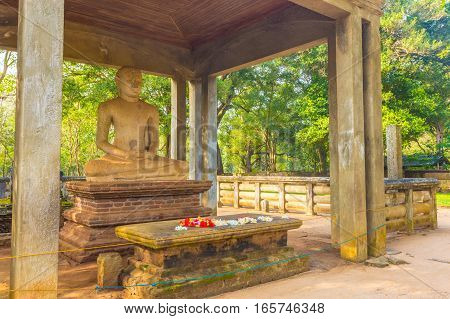 Anuradhapura Samadhi Buddha Statue Altar Angled