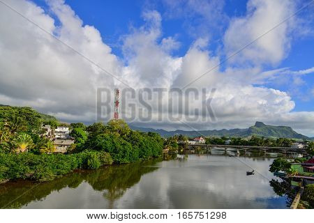 River Scene With Mountains Background