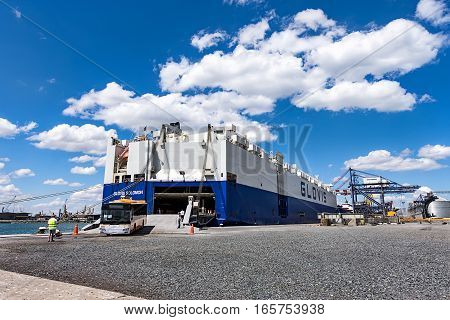 July 18 2016 - Tugboat - nudge cargo ship - GLOVIS - Burgas, Bulgaria