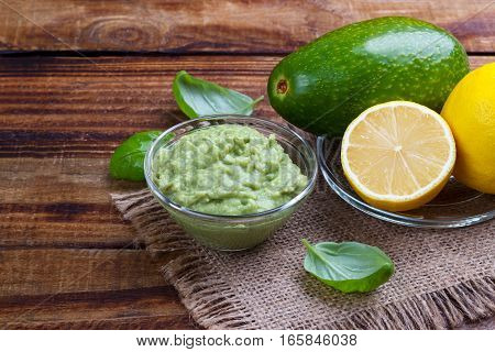 Avocado Sauce And Ingredients