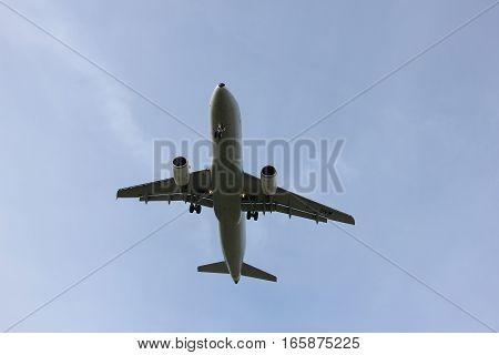 Amsterdam Schiphol Airport - April 1st 2016: EI-DVM Aer Lingus Airbus A320-214 approaching Polderbaan runway arriving from Dublin Ireland