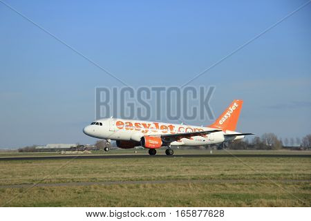 March 22nd 2015 Amsterdam Schiphol Airport G-EZBC easyJet Airbus A319-111 take off from Polderbaan Runway