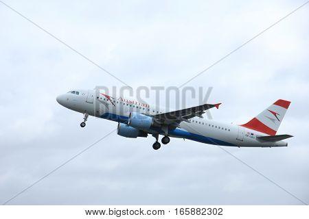 March 27th 2015 Amsterdam Schiphol Airport OE-LBU Austrian Airlines Airbus A320-214 Polderbaan Runway