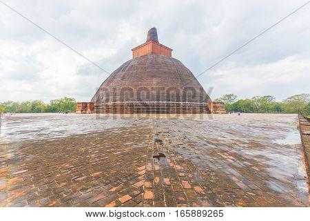 Anuradhapura Jetavanaramaya Stupa Wet Centered H