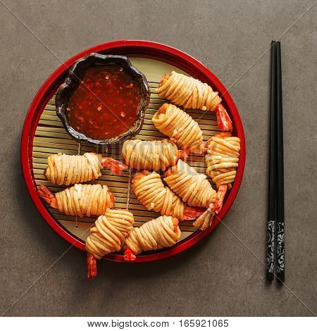 Fried Rolls With Prawns, Served With Sweet Chili Sauce And Chops