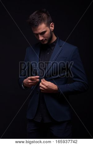 Man Handsome Buttoning Jacket Suit