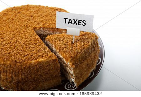 metaphor in the form of cake for the payment of taxes