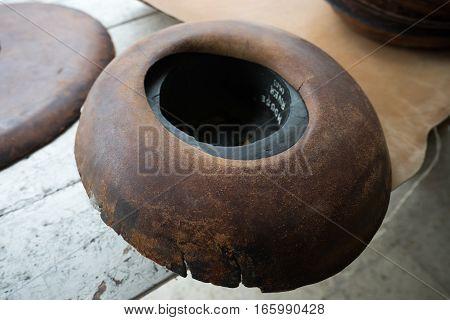 vintage hat rim press mould in Ecuador