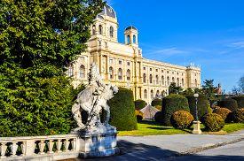 Hdr Museumsquartier In Wien