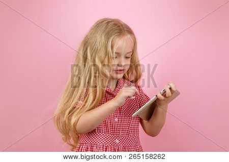 I Like Retro Stuff. Little Shopaholic Shopping Online. Little Girl Shopping On Smartphone. Small Gir