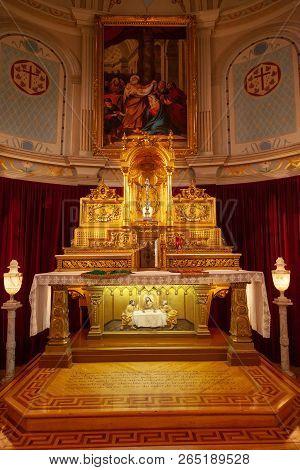 Quebec City, Canada - Aug 22, 2012: Main Altar At The Historic Jesuit Chapel Or Chapelle Des Jesuite