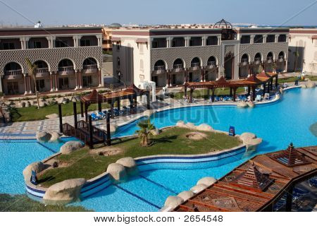 Oriental Hotel With Island In Swimming Pool