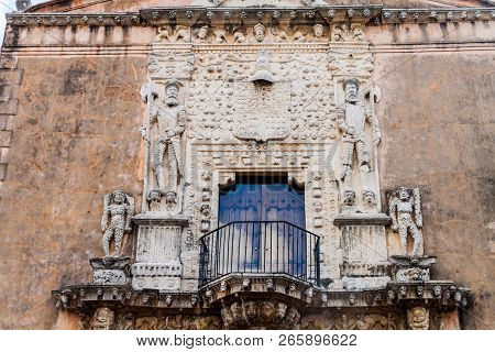 Decoration Of Casa De Montejo In Merida, Mexico. Triumphant Conquistadors Staying On Heads Of Barbar