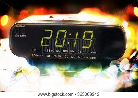 Black Digital Alarm Radio Clock.alarm Radio Clock Indicating Time To Wake Up.digital Radio Clock Dis