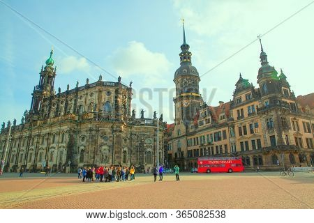 14 November 2018, Dresden, Germany. Historical Center And Tourists In Deutschland.