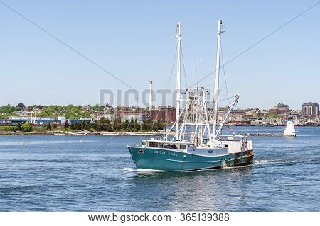 New Bedford, Massachusetts, Usa - May 21, 2018: Commercial Fishing Boat Crystal & Katie, Hailing Por