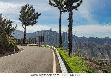 View Of The Center Of Gran Canaria. Famous Roque Nublo - Cloudy Rock In Huge Caldera. In The Foregro