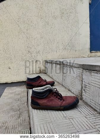 Old Dusty Burgundy And Torn Discarded Shoes, Shoes, Leather Jute. Poverty, Quarantine Effects, Poor