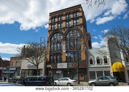 Lawrence, Ma, Usa - Apr. 24, 2019: Historic Comercial Buildings On Essex Street Between Amesbury Str
