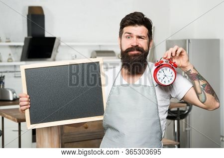 Time To Eat. Dinner Time. Hipster Cook. Interval Fasting Diet. Restaurant Information. Time Manageme