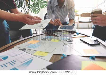 Business People Writing On Sticky Notes For Colleagues Thinking Strategy Business Plan Or Over Probl