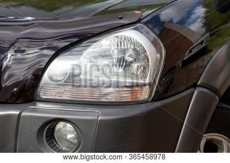 Novosibirsk/ Russia - May 02 2020: Hyundai Tucson, Glowing Headlight Of A Modern Car Close-up. Exter