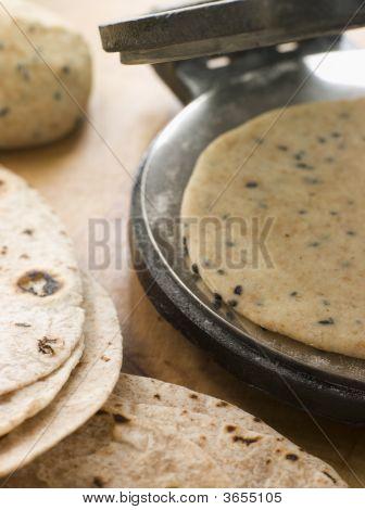 Chapatti Press With Chapatti Breads