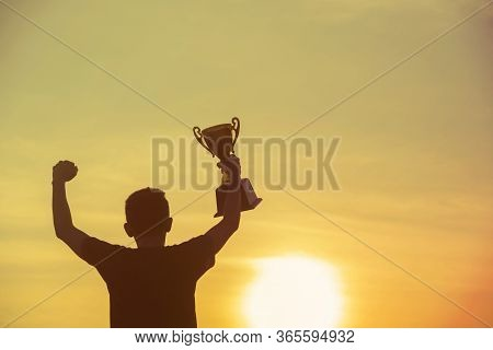 Sport Silhouette Trophy Best Man Winner Award Victory Trophy For Professional Challenge. Golden Trop