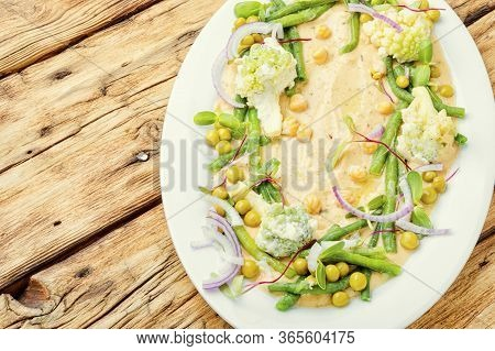 Homemade Hummus With Vegetables