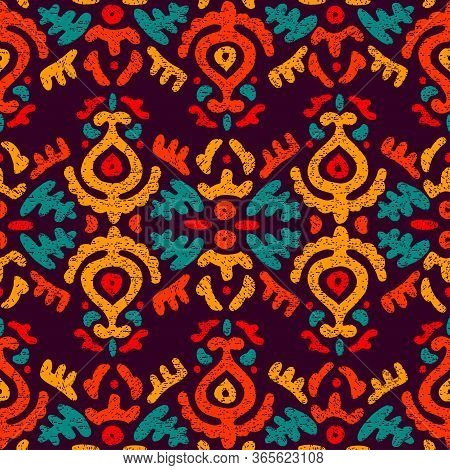 Seamless Vintage Pattern. Ethnic And Tribal Motifs. Grunge Texture. Floral Ornament For Home Textile