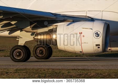 Budapest / Hungary - September 27, 2018: Air France Airbus A321 F-gtat Passenger Plane Engine Close-