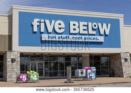 Terre Haute - Circa May 2020: Five Below Retail Store. Five Below Is A Chain That Sells Products Tha