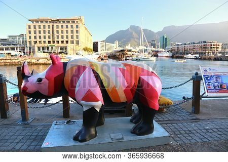 Cape Town, South Africa - November 15 ,2018  The Victoria & Alfred (v&a) Waterfront Is A Proud Icon