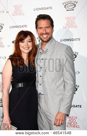 LOS ANGELES - JUN 5:  Alyson Hannigan, Alexis Denisof arrives at the
